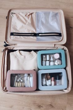 Our clear cosmetic bag is designed to hold all your travel beauty essentials, especially when you travel with carry-on only. This makeup bag also provides a reusable alternative to the… Beauty Essentials, Travel Bag Essentials, Travel Packing, Travel Bags, Travel Europe, Usa Travel, Travel Ideas, Travel Inspiration, Travel Destinations
