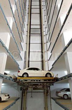 Ascenseur pour voitures MULTIPARKER 750-760 WÖHR Auto-Parksysteme Parking Space, Parking Lot, Car Parking, Parking Building, Design Garage, Parking Solutions, Steel Stairs, Factory Design, Parking Design