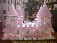 torta di pannolini.un castello per la mia nipotina