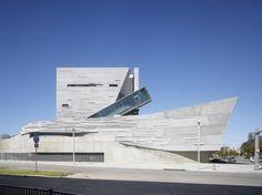 Architect: Thom Mayne