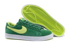 2013 Femme Nike Blazer Low Suede Vintage Lucky Vert Volt [X70j] Blazer, Logo Nike, Nike Cortez, Suede, Running Shoes, Sneakers Nike, Vintage, Fashion, Gray