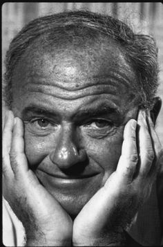 Harvey Korman, American actor (b. died May I miss him he was one of the funniest men ever! Tv Actors, Actors & Actresses, Comedy Tonight, Harvey Korman, Carol Burnett, Celebrity Deaths, Thanks For The Memories, Hollywood Actor, Celebs