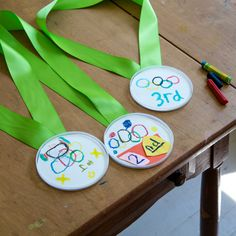 Olympic Medal Craft, Olympic Crafts, Olympic Medals, Summer Camp Crafts, Camping Crafts, Kids Olympics, Summer Olympics, Father's Day, Arts And Crafts