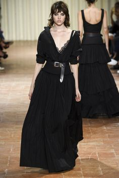 Alberta Ferretti Spring 2017 Ready-to-Wear Collection Photos - Vogue