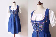 What to wear to Oktoberfest? Vintage Dirndl Dress
