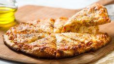 ¡La Pizza de Queso es de los favoritos platillos! ¡Con nuestro queso delicioso, esta receta hará agua tu boca y no la podrás resistir!  #LoveMyQueso