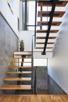If we talk about the staircase design, it will be very interesting. One of the staircase design which is cool and awesome is a floating staircase. This kind of staircase is a unique staircase because Open Stairs, White Stairs, Floating Staircase, Modern Staircase, Staircase Ideas, Staircase Remodel, Staircase Contemporary, Handrail Ideas, Small Staircase