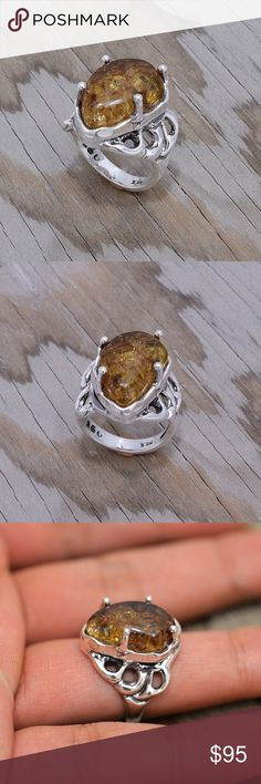 """Large Sterling Silver & Chiapas Amber Ring Stamped """"950"""". Higher Sterling finess than 925 This is not a stock photo. The image is of the actual article that is being sold Size: 8. Sterling silver is an alloy of silver containing 92.5% by mass of silver and 7.5% by mass of other mThe sterling silver standard has a minimum millesimal fineness of 925. The fitness on this ring is 950. All my jewelry is solid sterling silver. I do not plate. crafted in Taxco, Mexico. Will ship within 2 days of…"""