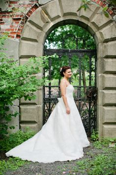 This bride looks like she came from a fairytale wedding: http://www.stylemepretty.com/little-black-book-blog/2015/01/13/elegant-spring-wedding-at-alder-manor/ | Photography: Isabelle Selby - http://isabelleselbyphotography.com/