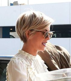 35 Pretty Pixie Haircuts for Thick Hair in 2019 Are ladies' pixie cuts in for Definitely! The short pixie haircut is as yet hot and getting one is the ideal method to emerge from the group. Pixie Haircuts - October 05 2019 at Pixie Haircut For Thick Hair, Pixie Bob Haircut, Longer Pixie Haircut, Short Hairstyles For Thick Hair, Haircuts For Curly Hair, Short Pixie Haircuts, Short Hair Cuts, Bob Hairstyles, Short Hair Styles