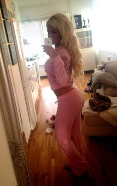 Pink sweats, I love pink sweats! ♥