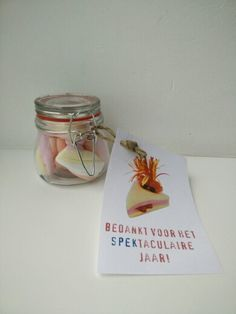 Bedankt voor het SPEKtaculaire schooljaar - leerkracht Thank You Presents, Little Presents, Diy Presents, Little Gifts, Teacher Appreciation Gifts, Teacher Gifts, Homemade Gifts, Diy Gifts, Farewell Gifts