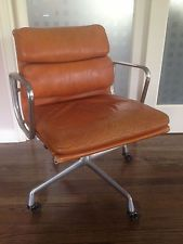 Superb HERMAN MILLER Vintage Mid Century Eames Soft Pad Leadher Chair
