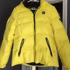 American Eagle Coat! Happy Yellow with soft, furry hood. ( not removable ) Velcro cuffs. 2 pockets. Never worn. American Eagle Outfitters Jackets & Coats Puffers