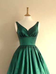 Emerald Green Taffeta Prom Dress - Made by Dig For Victory. £105.00, via Etsy.