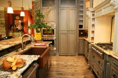 This kitchen is the perfect blend of country style and chic!