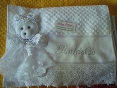 toalha de mão p/ batizado/ ursinha dengosa,,,,,
