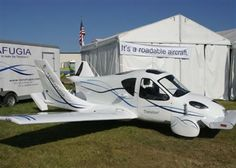 terrafugia_transition_the_drivable_street_legal_airplane
