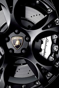 Wheels of a LEGEND - Lamborghini! #geek #lamborghini #geekism