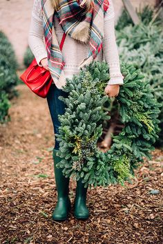 Style for over 35 ~ christmas tree farm outfit // plaid scarf & hunter boots Christmas Tree Farm, Christmas Minis, Merry Little Christmas, Christmas Fashion, Christmas Pictures, Winter Christmas, Christmas Time, Preppy Christmas, Christmas Tree Outfit