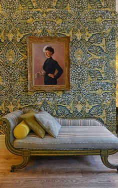 Love this wallpaper. Floral wallpaper and striped fabrics go head to head in the fabulous Kipling Suite at Brown's Hotel, London London Hotels, Brown Hotel, Interior And Exterior, Interior Design, Interior Paint, Wood Wallpaper, Wallpaper Designs, Hotel Suites, Wall Treatments