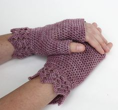 Ravelry: Pretty Wrist Warmers pattern by Patons