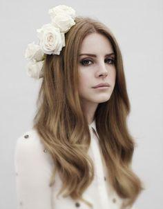 DIY: diadema floral para asistir a una boda o a un festival de música como…