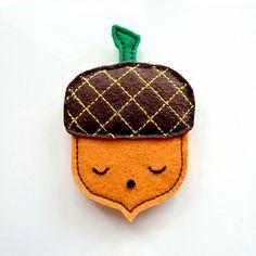 Acorn pin brooch