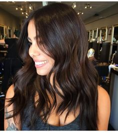 Chocolate hair hair noong 2019 brunette hair, hair color at Cabello Color Chocolate, Chocolate Brown Hair Color, Hair Color Dark, Brown Hair Colors, Chocolate Brunette Hair, Dark Hair Style, Level 4 Hair Color, Hair Color Ideas For Dark Hair, Brown Hair Shades