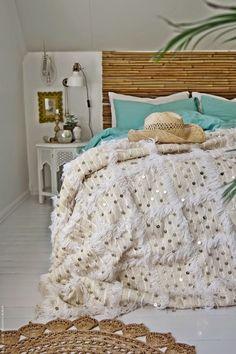 The blanket Decor Room, Bedroom Decor, Home Decor, Multipurpose Furniture, Deco Boheme, Master Bedroom Makeover, Moroccan Decor, Elegant Homes, Dream Rooms