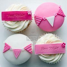 pink girlie bday cupcakes