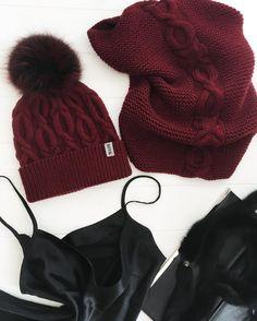 Когда у тебя красивая шапка, ты готова к любым сюрпризам❤ Хорошего дня, любимые #knitting_inspiration #knitting #knitstagram #sovvknitting#вяжу#вязание#вяжудетям#вяжутнетолькобабушки#babygirl#best_knitters#вязанаяшапка#iloveknitting#вязаниекиев#kids_knitting_inspiration#kidsknits#knittingaddict #knitwear#madeinukraine #меринос#снуд#набор#зима#weareknitters#woolandthegang#зима#lanagrossa#шапка#handmade#shareyourknits#colorstory#instamood