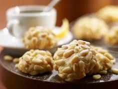 Mandel-Pinienkern-Kekse | Zeit: 50 Min. | eatsmarter.de