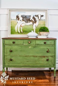 Ideas For Refinishing Furniture With Chalk Paint Dressers Miss Mustard Seeds Chalk Paint Furniture, Furniture Projects, Furniture Makeover, Diy Furniture, Green Painted Furniture, Furniture Plans, Green Distressed Furniture, Antique Furniture, Bedroom Furniture