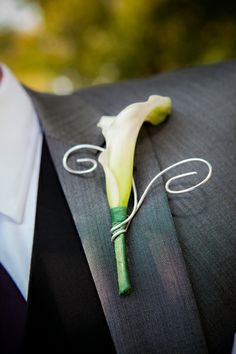 Calla lily and wire | TheWeddingFlashers.com on wedplan.com