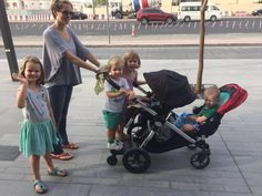 Baby Jogger City Select is the perfect stroller for siblings close in age. Isn't it Sofi? Thank you for sharing your picture with 4 kids on board :)