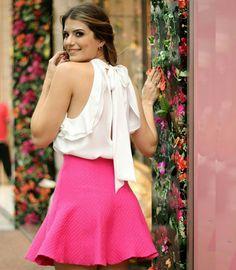 """""""E o detalhe das costas desta blusa com laço? A @arianecanovas ficou muito linda…"""