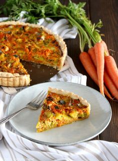 Spicy Curry Leek and Carrot Quiche. Made entirely from scratch, this curry leek and carrot quiche with a rich coconut cream will make you love eating your veggies. It's easy, sweet and savory, with a hint of spice. Curry Seasoning, Vegetarian Quiche, Unsweetened Coconut Milk, Savory Tart, Swedish Recipes, Incredible Recipes, Sweet Pastries, Delicious Vegan Recipes, Easy Recipes