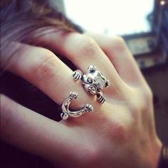 Silver Pug Ring! I WANT THIS!!! #pugs #accesories