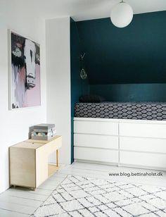 Diy Home : Illustration Description DIY høj seng af ikea-kommoder -Read More – Ikea Hack Kids Bedroom, Bedroom Hacks, Ikea Bedroom, Small Room Bedroom, Room Decor Bedroom, Palette Furniture, Ikea Malm, Diy Bed, Interior