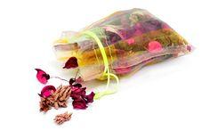 Como fazer sachê perfumado para colocar em casa - http://comosefaz.eu/como-fazer-sache-perfumado-para-colocar-em-casa/
