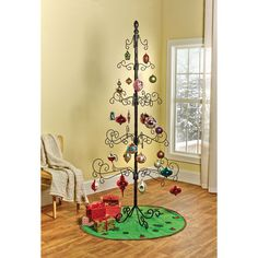 Wrought Iron Ornament Tree at Signals   HW4762