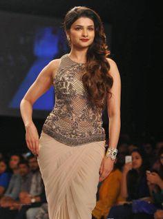 awesome Prachi Desai Hot Ramp-walk Photos at Lakme Fashion Week 2014