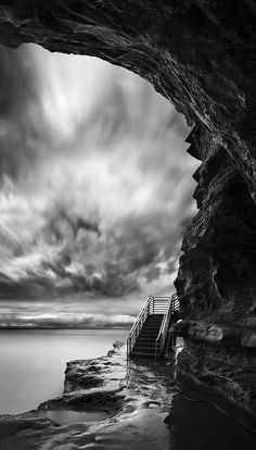 Turn on music, close your eyes and imagine what is just up those steps.  san diego : ocean beach / sunset cliffs park