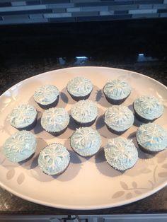 snowflake cupcakes!