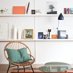 Small spaces on pinterest attic closet small dining and - Table petit espace ...