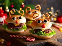 Get ready for the season with our clever christmas hacks to simplify the holidays including crafty décor ideas and ways to enhance your entertaining. Christmas Party Food, Christmas Party Decorations, Christmas In July, Christmas Desserts, Kids Christmas, Holiday, Christmas Hacks, Sloppy Joe, Marshmallows