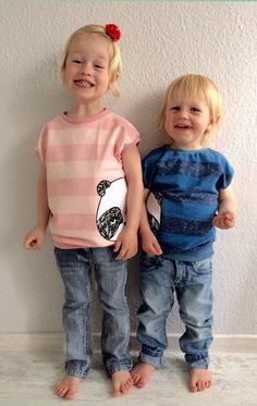Knitting Patterns For Kids free pattern and pattern Shirty - cute shirt with cut sleeves 74 - 128 Sewing Patterns For Kids, Sewing For Kids, Baby Sewing, Baby Patterns, Free Sewing, Knitting Patterns, Baby Shirts, Cute Shirts, Baby Kids Clothes