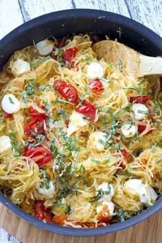 Spaghetti Squash Caprese - squash noodles, tomato, mozzarella & basil<br> Fresh tomatoes are infused with fresh sautéed garlic, tossed with perfectly cooked spaghetti squash, and to Zucchini Spaghetti, Spaghetti Squash Recipes, Vegetarian Recipes, Cooking Recipes, Healthy Recipes, Veggie Recipes, Thm Recipes, Easy Cooking, Free Recipes