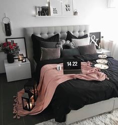 New room decor dorm bedroom ideas diy projects ideas Dream Rooms, Dream Bedroom, Home Bedroom, Black Bedroom Decor, Bedroom 2018, Black Bedrooms, Master Bedrooms, Black Bed Room Ideas, Bedroom Inspo Grey
